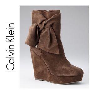 CALVIN KLEIN {7} Boots Suede Wedge Brown HarperNEW